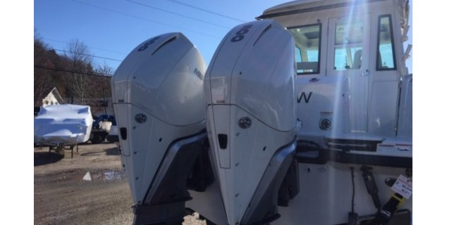 2019 Boston Whaler 315PH