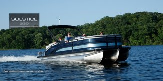 harris 230 solstice pontoon boat that is being enjoyed by Muskoka vacationers at Gordon Bay Marine.